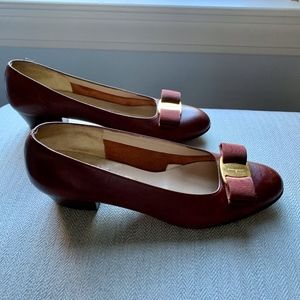Ferragamo Boutique Bowtie Brown Low Heeled Pumps